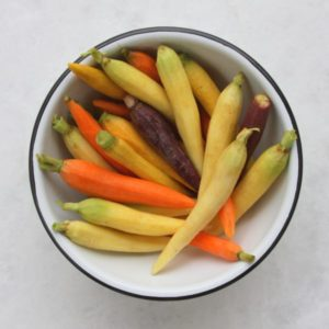 cleaned-rainbow-carrots-600x600